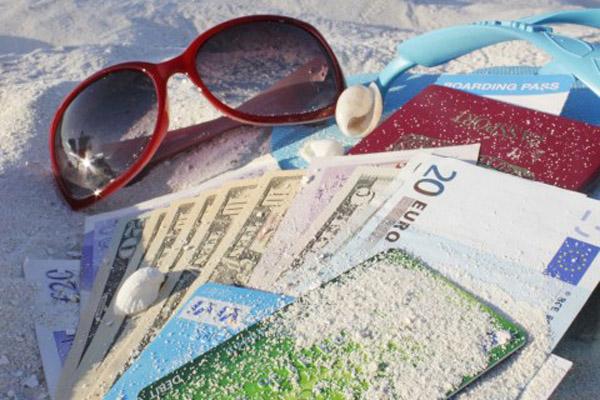 деньги в отпуске