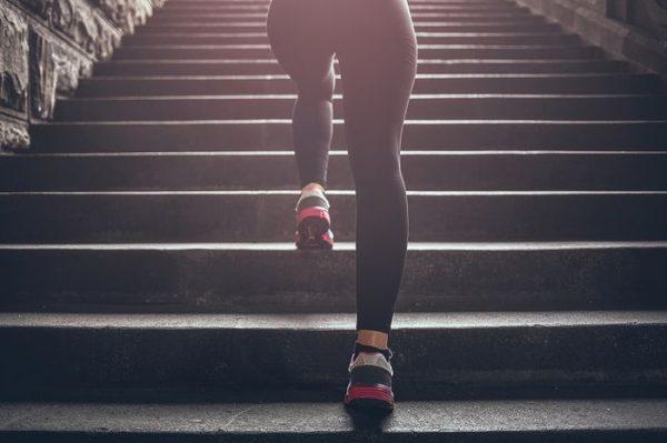 хотьба по лестнице